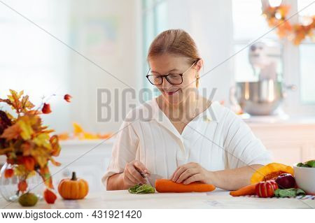 Thanksgiving Dinner Preparation.