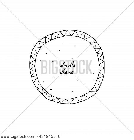 Hand-drawn Round Zigzag Frame Isolated. Free Hand Drawn Doodle Circle. Vector Illustration Of A Phot
