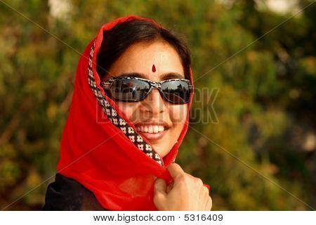 hell indische Frau