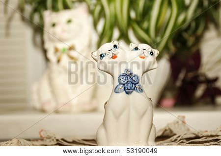 Porcelain statuette of lovers