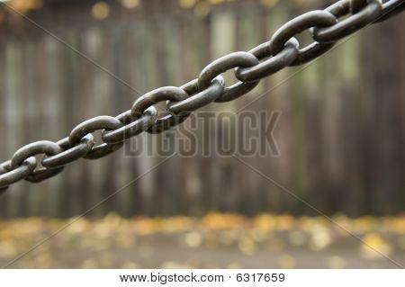Chain with raindrops