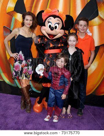 LOS ANGELES - OCT 1:  Rebecca Herbst, Ella Bailey Saucedo, Ethan Riley Saucedo, Emerson Truett Saucedo at the VIP Disney Halloween Event at Disney Pop Up Store on October 1, 2014 in Glendale, CA