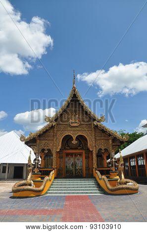 pha tas doi saket temple