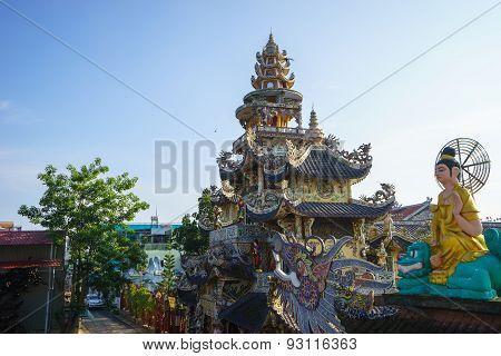 Dalat,  May 15, 2015. Linh Phuoc Pagoda At Da Lat City, Lam Dong Province, Vietnam.da Lat Is A Popul