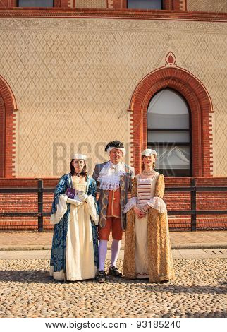 People In Eighteenth Century Clothes