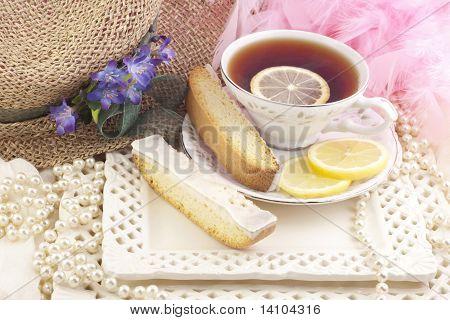 Damen-Tea-Party