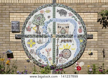 A mosaic created by the people of Bury st. Edmunds to commemorate the 800th Anniversary of Bury St. Edmunds' links with the historic charter.