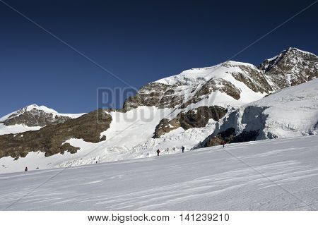 climbing vincent pyramid on monte rosa in italy