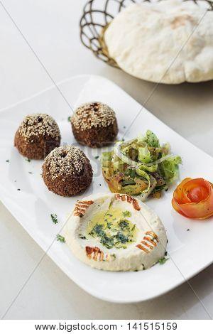 falafel hummus houmus starter snack middle eastern food mezze platter