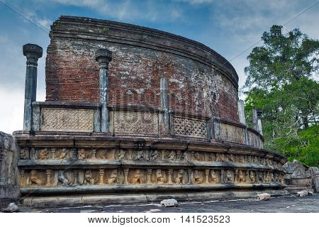 Ancient Ruins Exterior In Polonnaruwa Polonnaruwa Vatadage City Temple Unesco