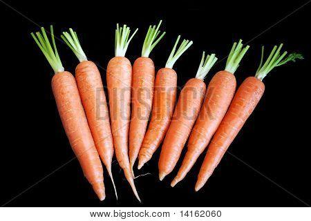 Zanahoria aislada en negro