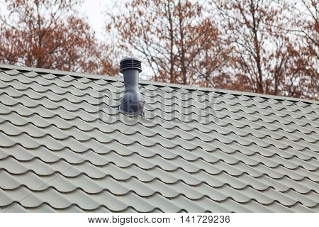 New roof ventilator for a heat control