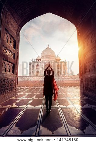 Woman Pray In Taj Mahal
