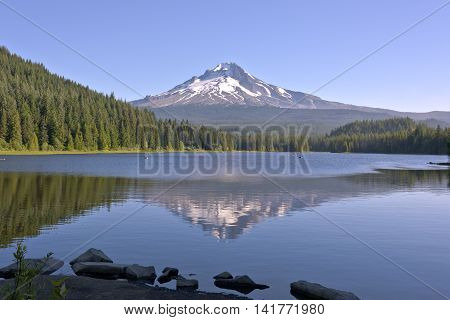 Trillium lake and Mt. Hood in morning light Oregon state.