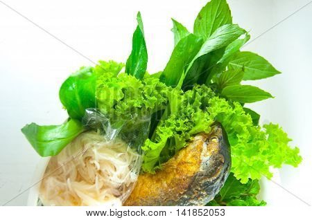 Miang Kum fish (Leaf-Wrapped Bite-Size Appetizer Mackerel)