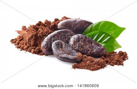 Cacao beans with powder