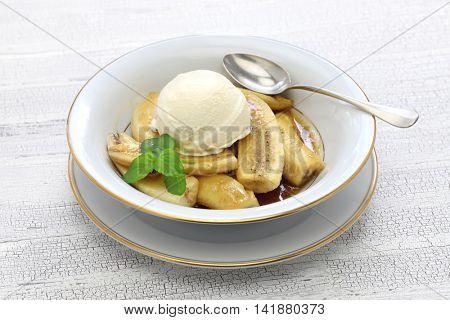 bananas foster, classic american dessert