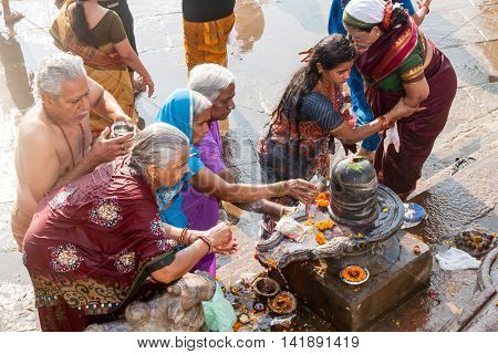 Women Worshipping Shiva