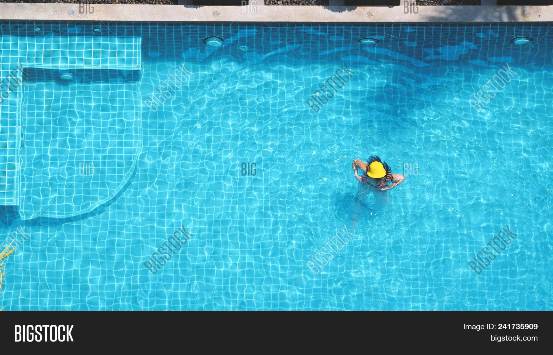 Swimming Pool Bubble Image & Photo (Free Trial) | Bigstock