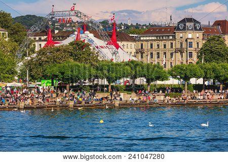 Zurich, Switzerland - May 11, 2018: Embankment Of Lake Zurich In The City Of Zurich, Venue Of The Ci