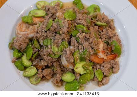 Stir Fried Shrimp With Sataw And Shrimp Paste