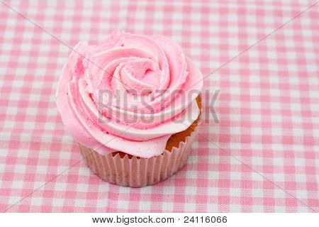 Vanilla Cupcake With Pink Rose Icing
