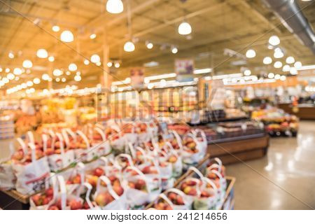 Abstract Blurred Organic Fresh Produces, Fruits And Vegetable At Store In Usa