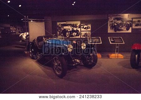 Naples, Florida, Usa - May 5, 2018:  Blue 1933 Bugatti 55 Super Sport Displayed At The Revs Institut