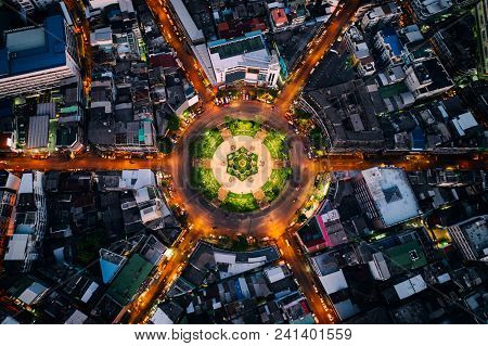 Aerial View Of Roundabout Or Circle Of Road With Light Trails On The Road At Night In Bangkok,thaila