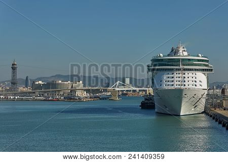 Barcelona, Spain - October 10, 2017: City Of Barcelona And Cruise Ship Docking In Port Of Barcelona