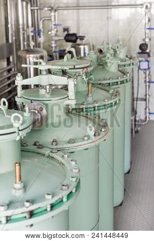 Adsorption Sand Filtration System. Industrial Filtration System For Liquids.