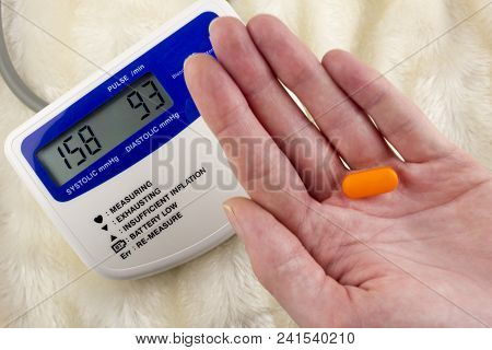 Pressure Measuring Device And Tablet In Hand