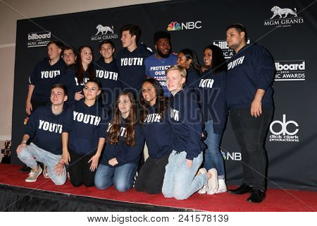 LAS VEGAS - MAY 20:  Shawn Mendes, Khalid, Marjory Stoneman Douglas Student Choir at the 2018 Billboard Music Awards at MGM Grand Garden Arena on May 20, 2018 in Las Vegas, NV