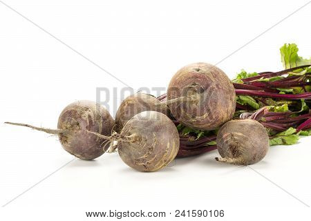 Red Beet Bundle With Greens Isolated On White Background Five Bulbs Root With Fresh Leaves