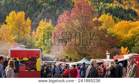 Arrowtown New Zealand Autumn Festival 19th To 25th April 2018 - People At The Markets With Autumn Fo