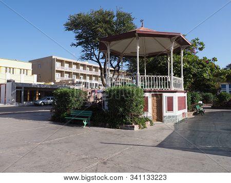 Mindelo, Cape Verde On April 2019: Colonial Kiosk In Amilcar Cabral Square Known As Praca Nova In Af