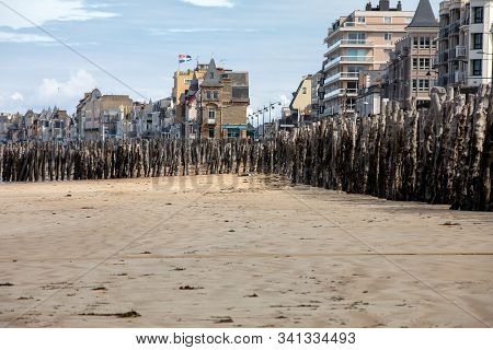 St Malo, France - September 14, 2018: Big Breakwater And Beach In Saint Malo, 3000 Trunks To Defend