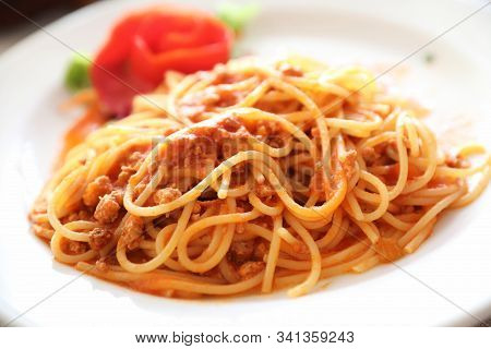 Spaghetti Bolognese , Spaghetti With Tomato Sauce Top With Cheese , Italian Food