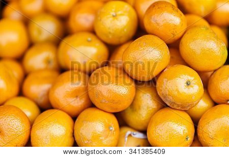 Fresh Tangerines At The Supermarket Kiosk. Fresh Tangerines On Display In The Grocery Store. Tangeri
