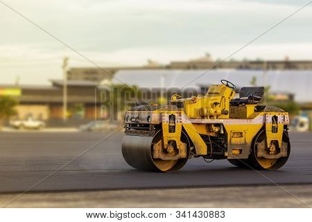 Small Motor Vehicle Or Mini Heavy Steel Roller Wheel Or Steamroller For Road Making Or Street - High