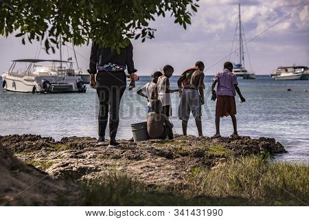 Poor Dominican Children Play In Bayahibe 9