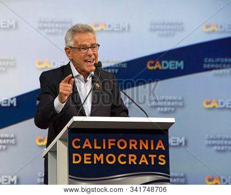 Long Beach, Ca - Nov 16, 2019: Alan Stuart Lowenthal, Speaking At The Democratic Party Endorsing Con