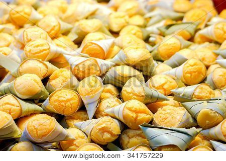 Closeup And Heap Toddy Palm Cake Background