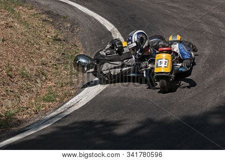 Sidecar Without Engine Race In Downhill At European Championship Speed Down On July 28, 2012 In Pred