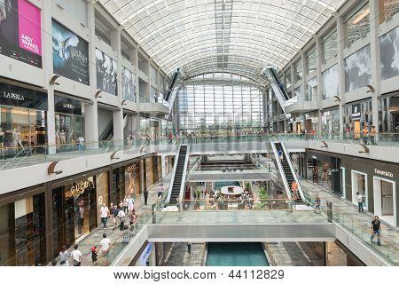 Marina Bay Sands Luxury Shopping Center