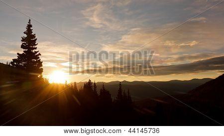 Herrlichen Sonnenaufgang In der Wüste