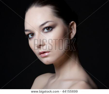 face of beautyl woman with make-up