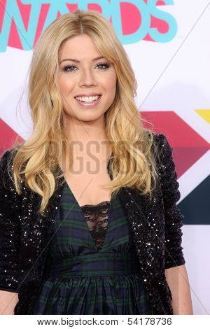 LOS ANGELES - NOV 17:  Jennette McCurdy at the TeenNick Halo Awards at Hollywood Palladium on November 17, 2013 in Los Angeles, CA