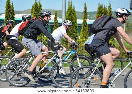 Male Bike Riders Race