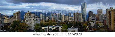 Vancouver skyline by a autumn cloudy day